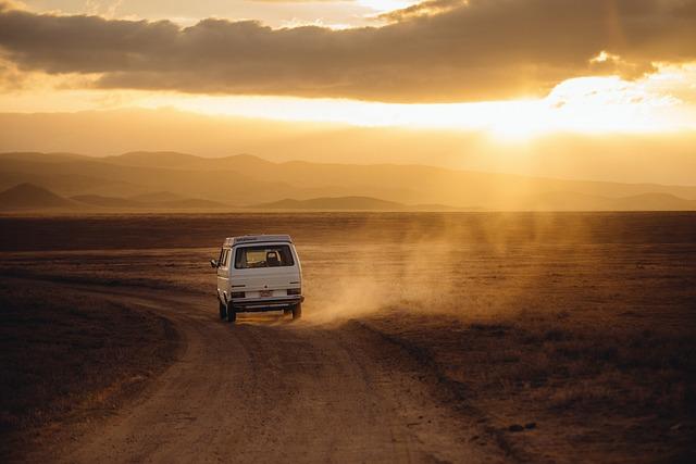 Jak najlepiej podróżować do pracy czy na wakacje osobistym środkiem transportu tak czy nie?