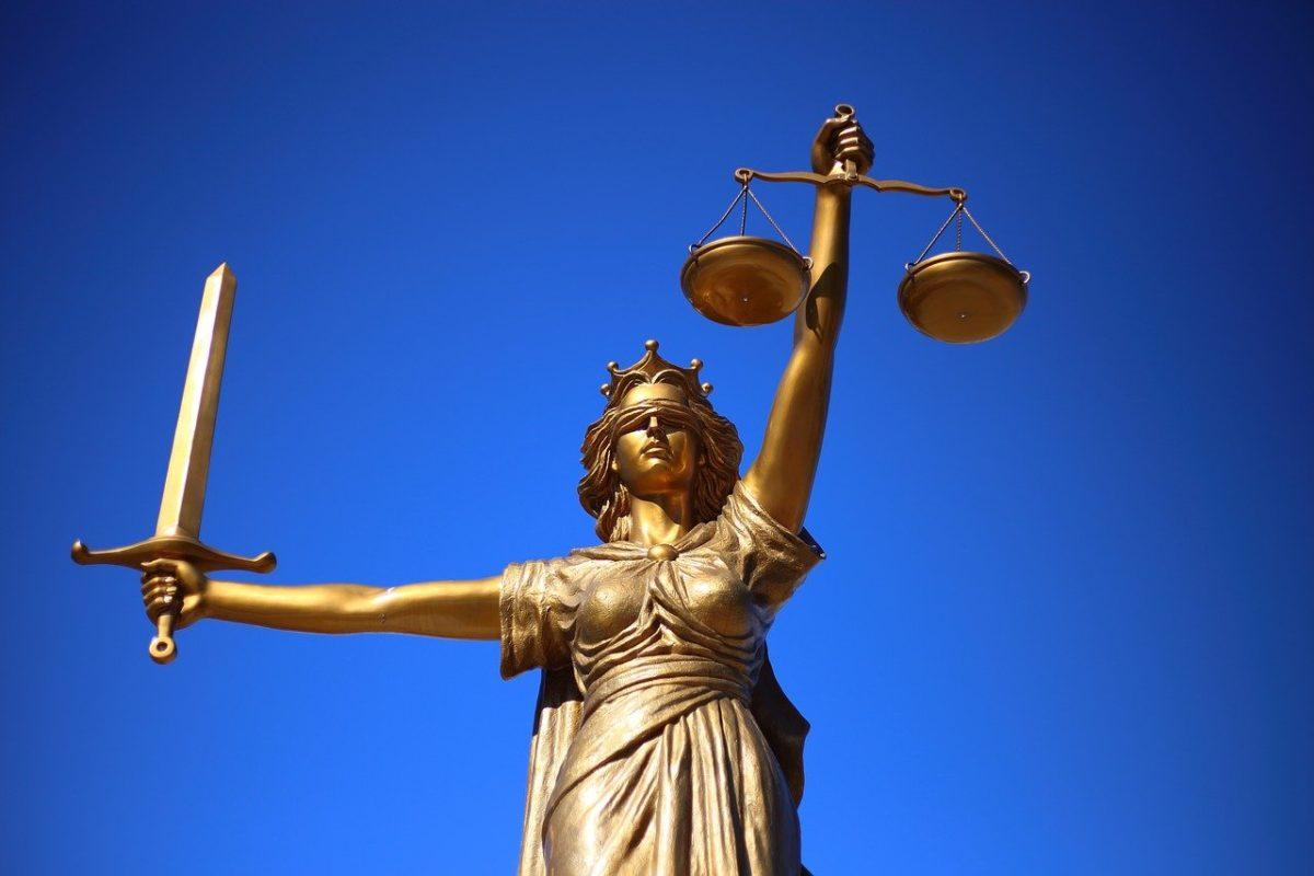 W czym może nam wspomóc radca prawny? W których sytuacjach i w jakich płaszczyznach prawa wspomoże nam radca prawny?